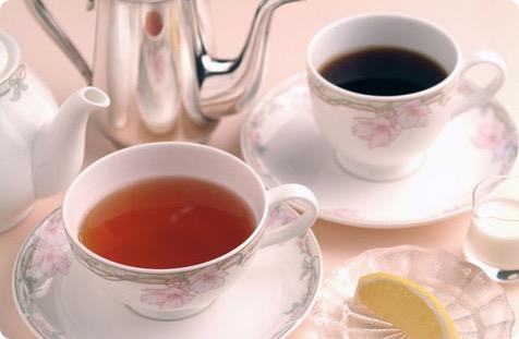 紅茶とコーヒーどっちがカフェイン多い?カフェイン含有量の比較